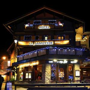 Enseigne lettrages lumineux hôtel Morzine Haute Savoie 74