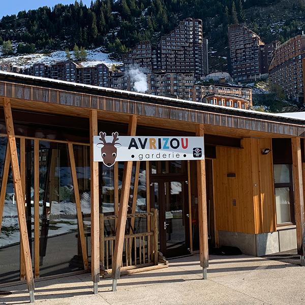 Enseigne panneau dibond Avrizou Morzine Avoriaz Haute-Savoie 74