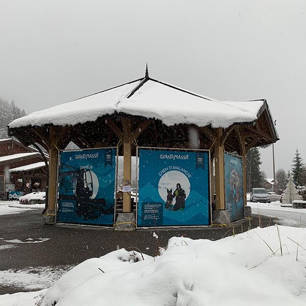 Bâche tendue sur cadre sur-mesure GMDS Samoens Haute Savoie 74